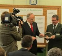 Schlüsselübergabe durch Sachsen-Anhalts Umweltminister